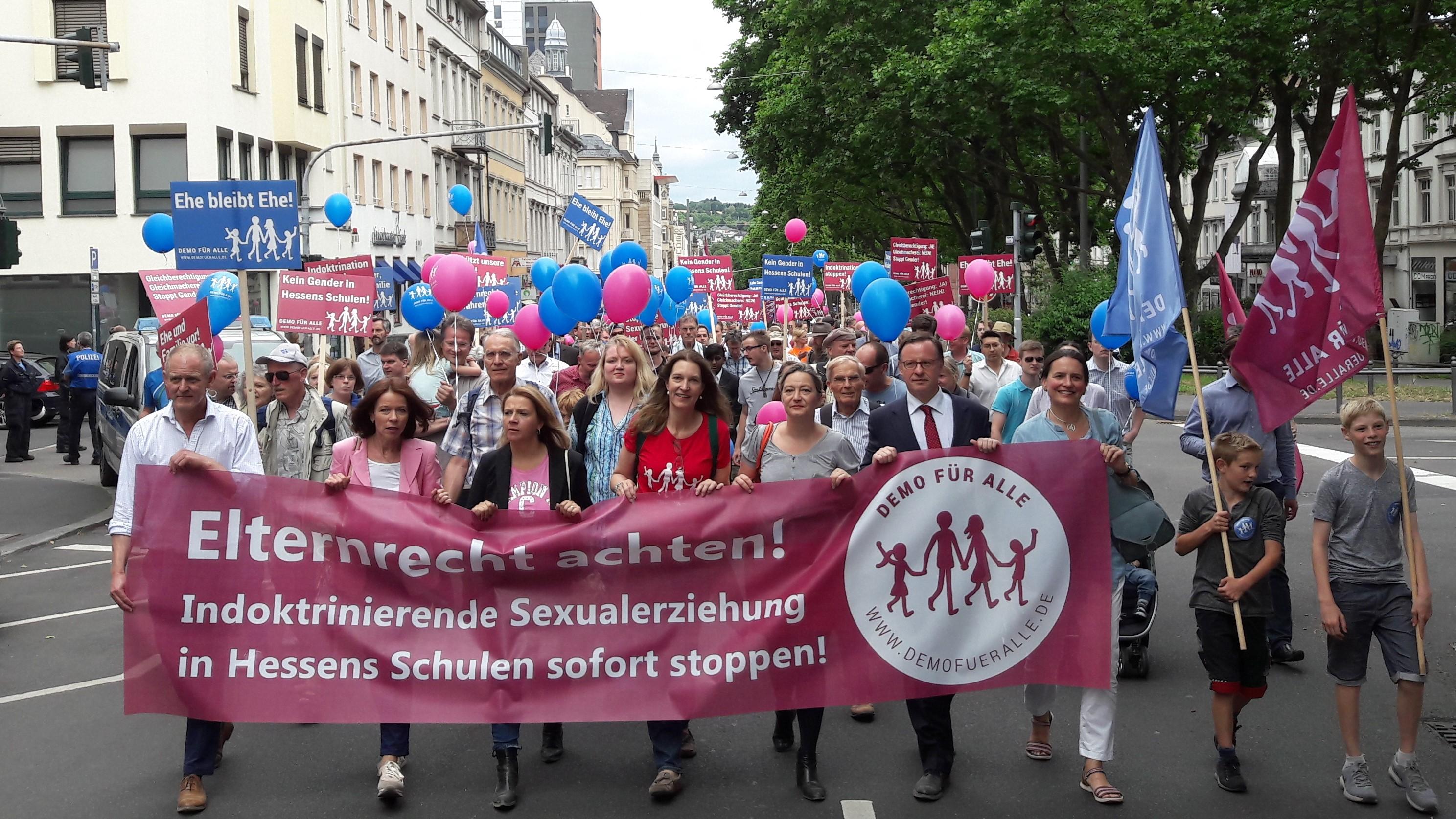 DEMO FÜR ALLE in Wiesbaden – auch die österr. FamilienAllianz nahm teil